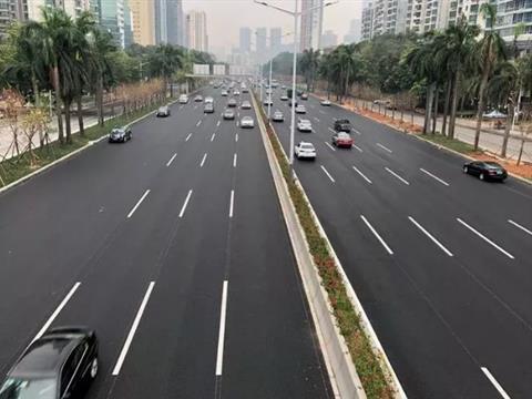 滨河大道路面修缮及交通改善工程主道路面完工通车